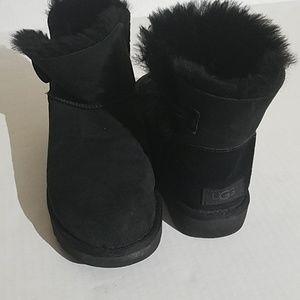 UGG black short boots B48